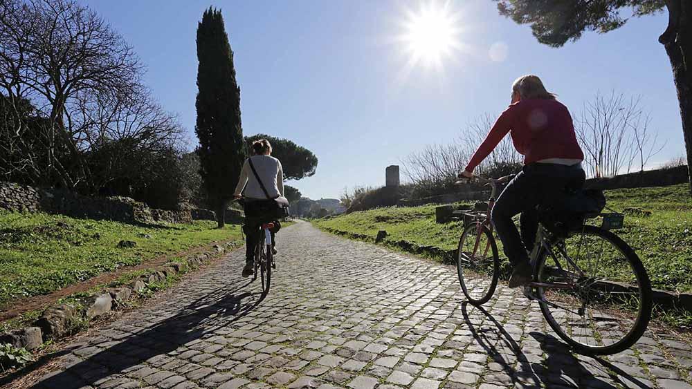 Le Bellezze della Via Appia Antica in Bicicletta
