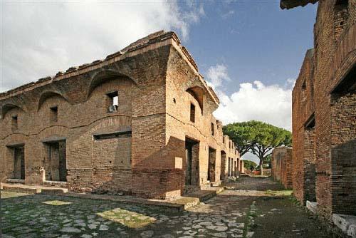 Avventure Archeologiche: Scavi di Ostia Antica