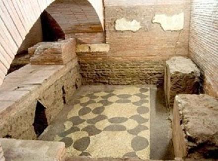 I sotterranei di San Lorenzo in Lucina e i resti della meridiana di Augusto