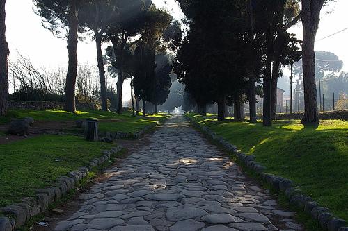 Avventure Archeologiche: La Via Appia Antica a Piedi