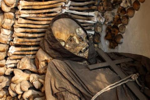 La Roma del terrore - Visita guidata a tema macabro, con un soffio di brio e tanto sarcasmo, Roma